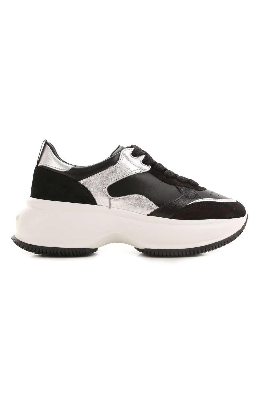 Glamour e comode le nuove scarpe sportive donna Maxi Active firmate dalla collection autunno inverno di Hogan. Da abbinare sia a pantaloni skinny che bootcut, sono versatili e trendy. Una tomaia in prezioso pellame adatta ad ogni stile.