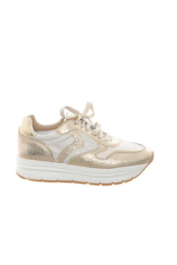 Una sneaker chic e dal look esclusivo, la MAY CRACK, proposta da Voile Blanche. Perfetta per la donna che ama calzature uniche, e sempre all'avanguardia. Ideale per completare outfit casual-chic e formali.