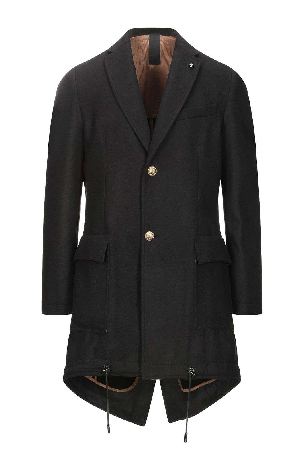 Scopri il nuovo cappotto proposto dalla collezione uomo Park8.  L'esclusivo modello parka è impreziosito dall'iconico tessuto del cappotto per poterlo abbinare ad ogni occasione.  Un essential della fredda stagione reso unico dai bottoni intarziati oro light e dalla vestibilità regolare.
