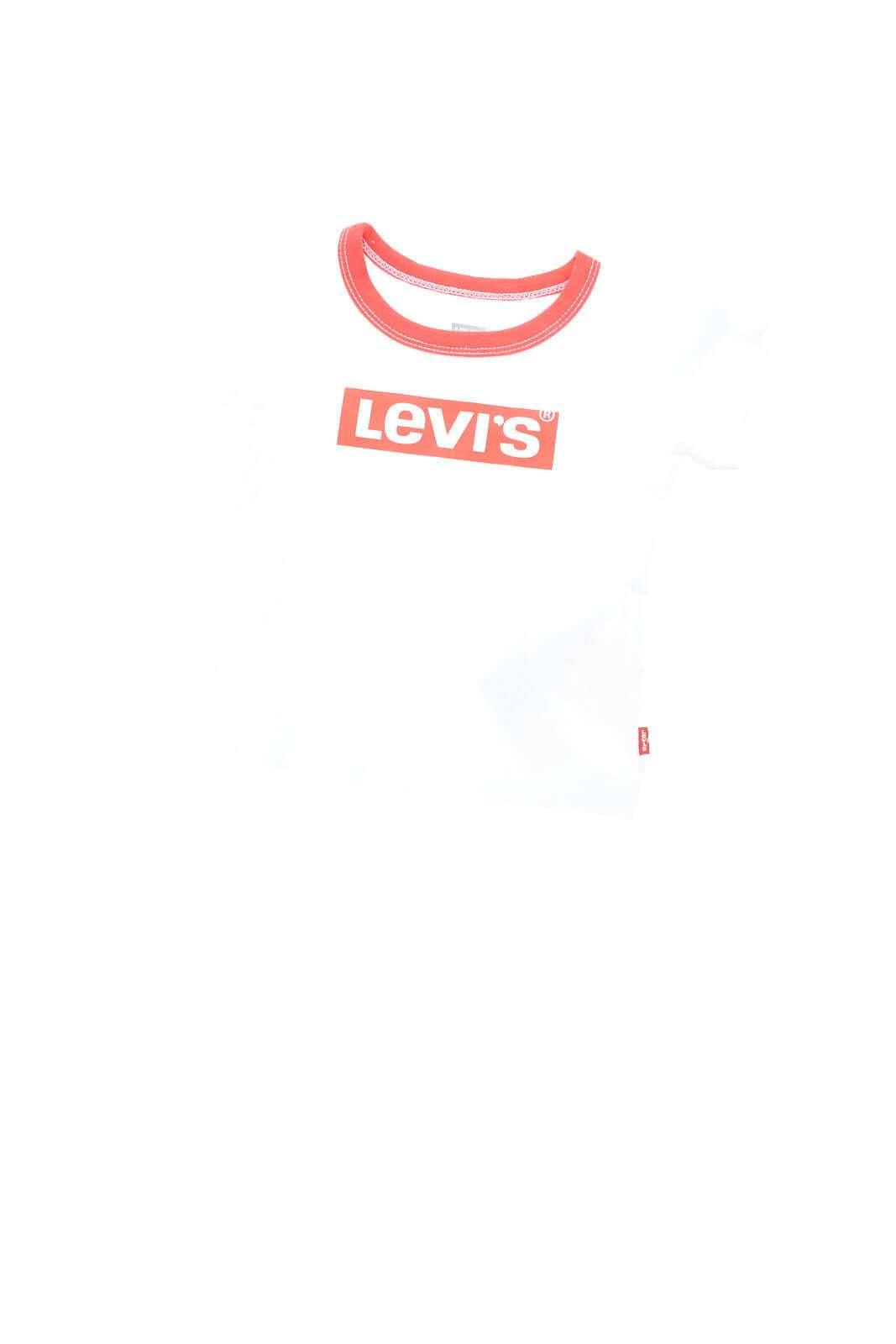Una T shirt bimbo perfetta per tutte le occasioni quella firmata Levi's Kids.  Da indossare con un bermuda o con un pantalone della tuta, è un'ottima soluzione per gli stili più fashion.  E' un must have.