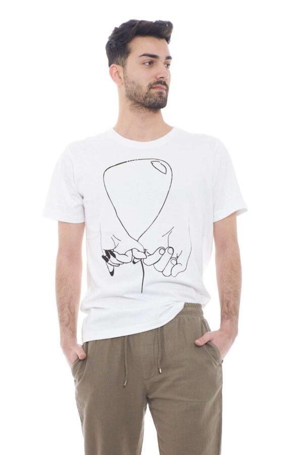 Una T shirt tutta da scoprire la proposta della collezione uomo Malph.  La linea #ILOVEBALLOON si conferma un capo unico e da indossare in ogni occasione.  Come sottogiacca o con un bermuda, conquista ogni look.