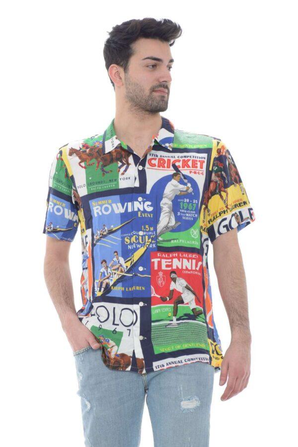 La camicia uomo firmata Polo Ralph Lauren si caratterizza per il suo gusto estremamente fashion e glamour. Le maniche corte e la vestibilità custom sono un must per i look sia quotidiani che per un party giornaliero. Perfetta sia con un jeans che con un bermuda è un essential della moda.