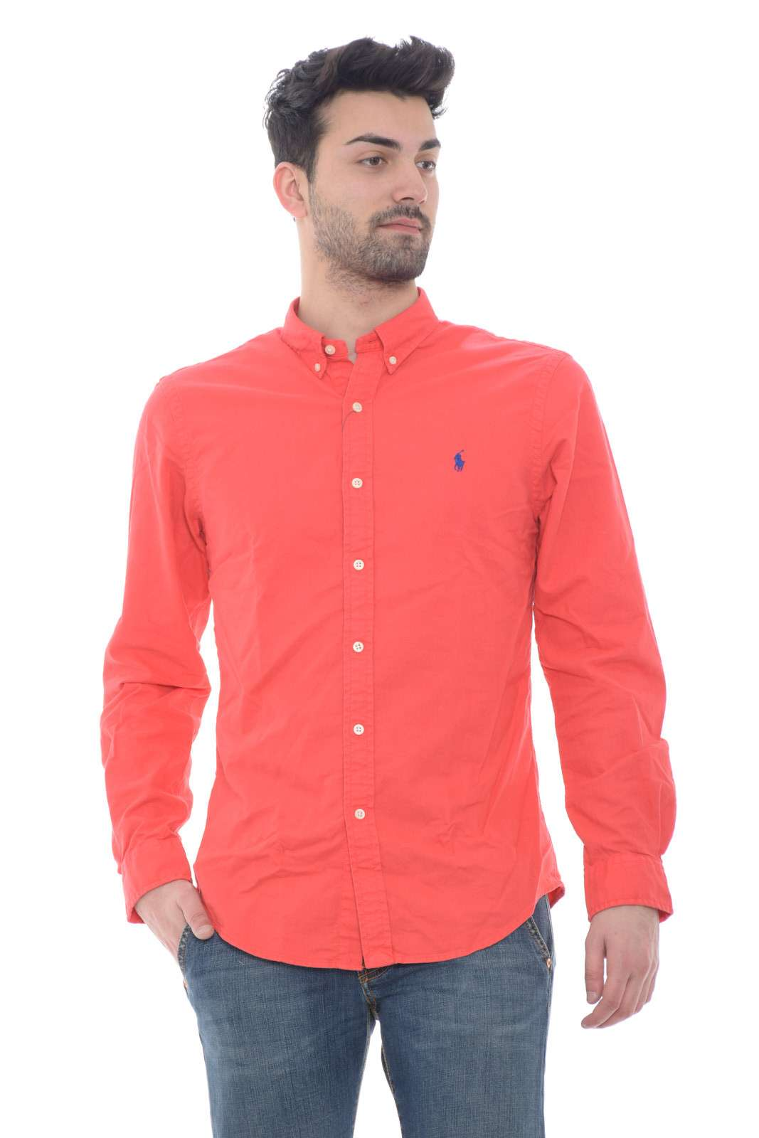 Lasciati conquistare dai tanti nuovi colori delle camicie Polo Ralph LAuren. L'iconico collo con bottoni e il tessuto in cotone, fanno di questo capo un essential indiscusso per essere impeccabili in ogni occasione. Da abbinare sia con jeans che con pantaloni è una camicia evergreen.