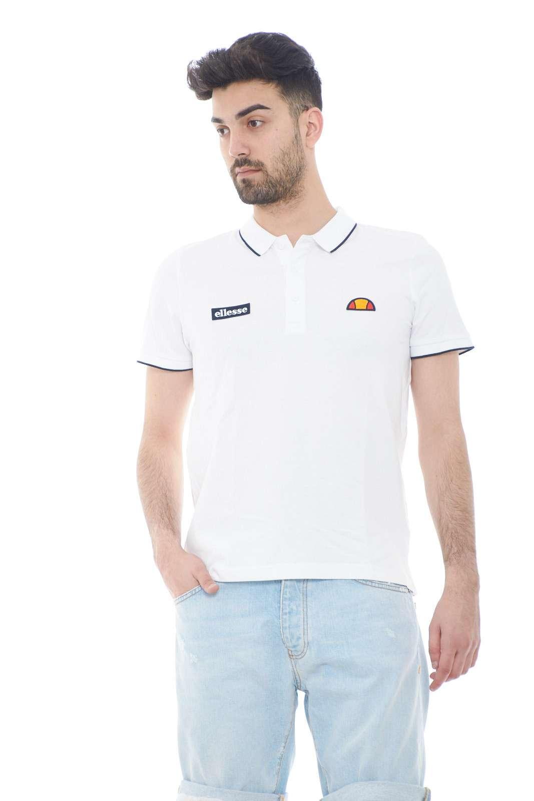 La polo per l'uomo che ama capi minimal, ma allo stesso tempo di tendenza. Ellesse, propone un capo casual, fresco e comodo, perfetto per i tuoi outfit estivi di tutti i giorni.