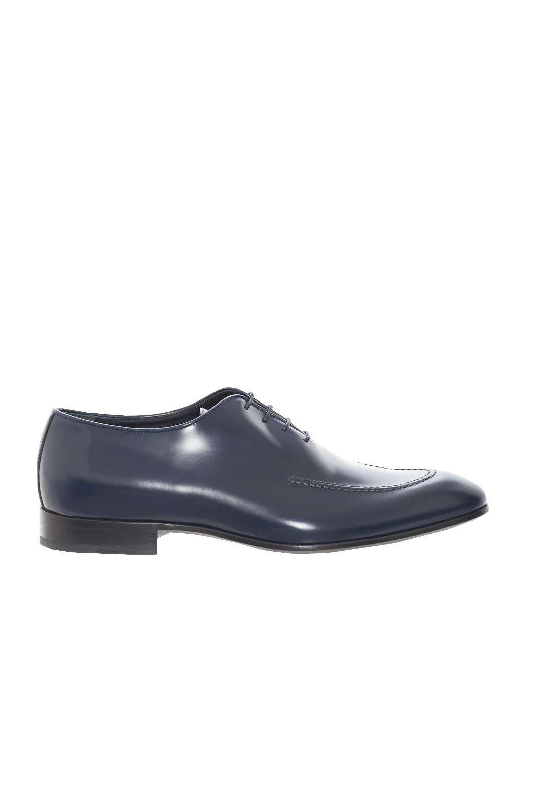 Una scarpa che si imporrà come icona di stile per le tue occasioni più eleganti. Perfetta per essere indossata con abiti o completi spezzati, per un look di classe e impeccabile. Una garanzia di cura e ricercatezza firmata Alberto Guardiani.
