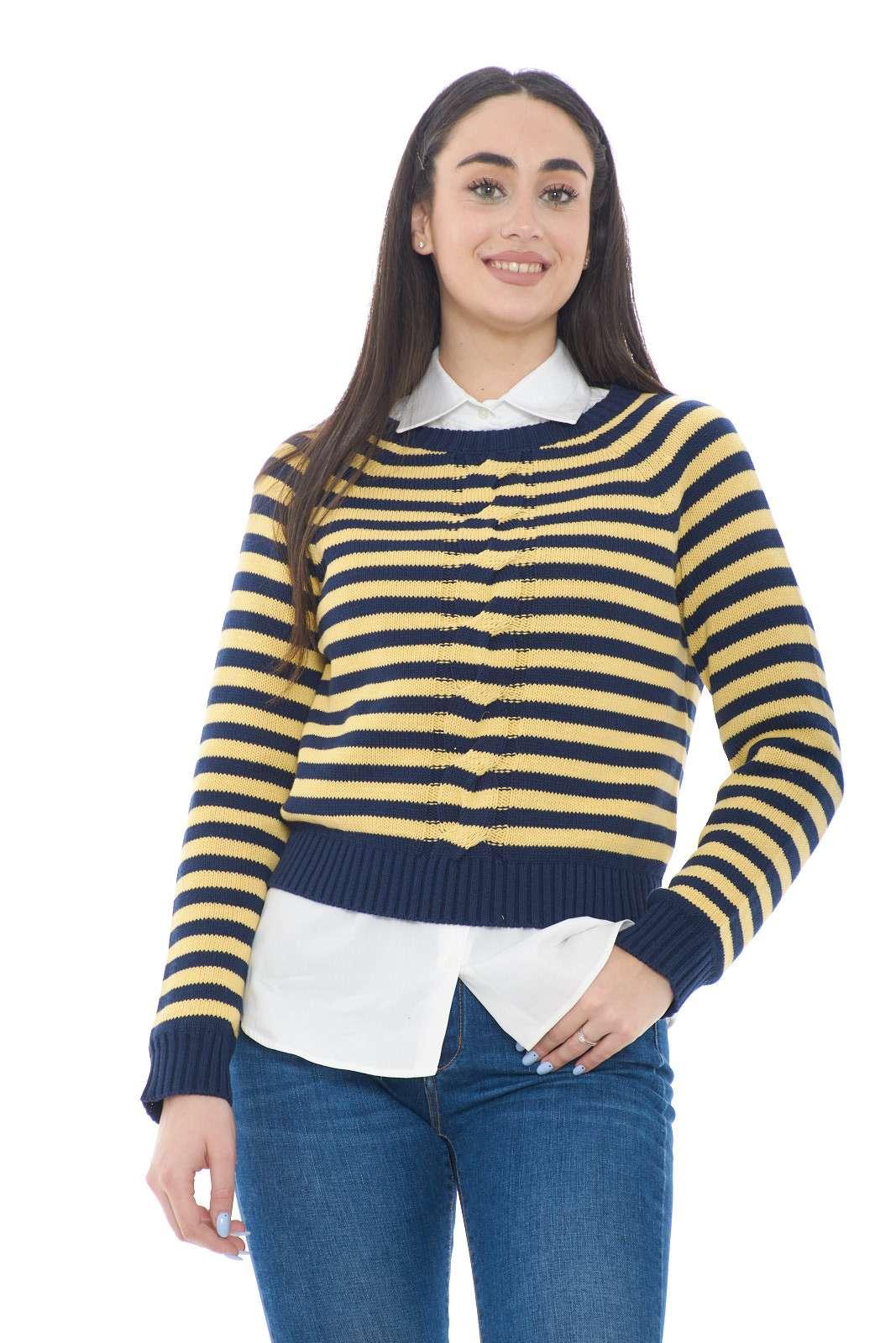 Una maglia spiritosa e fashion, firmata Weekend per la nuova collezione estiva. Perfetta da sfoggiare nelle fresche giornate primaverili, dove abbinata ad un jeans, darà vita ad un outfit semplice e di tendenza.