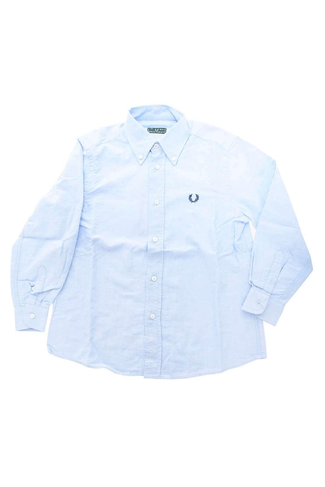 Semplicità e stile anche per i più piccoli, con questa camicia firmata Fred Perry. Perfetta per i loro look più eleganti e impeccabili.