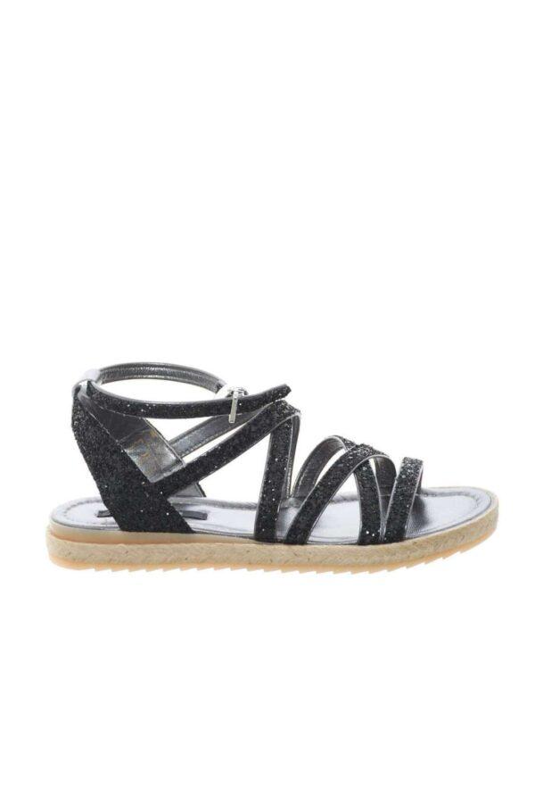 Un sandalo femminile e glamour, quello proposto da Patrizia Pepe. Interamente ricoperto di glitter, garantirà uno stile chic, ideale per completare outfit eleganti e raffinati.